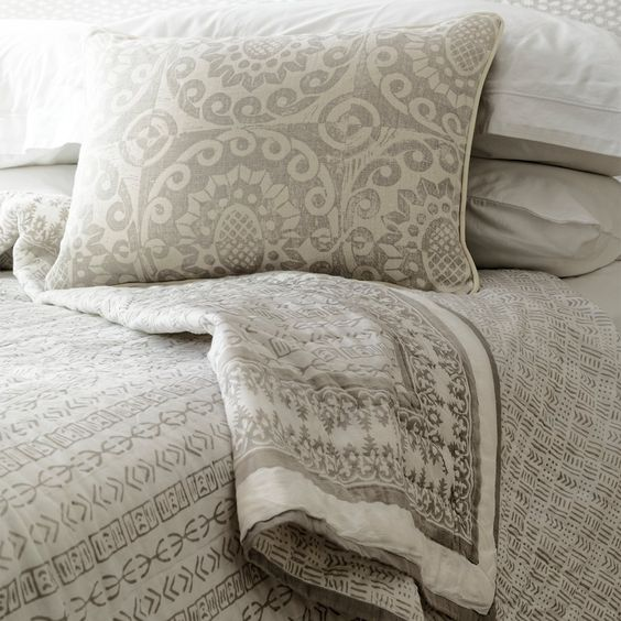 interior designer bedroom bed throw